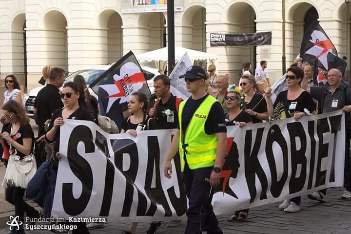 Strajk Kobiet i Śląskie Perły na kontrmiesięcznicy smoleńskiej