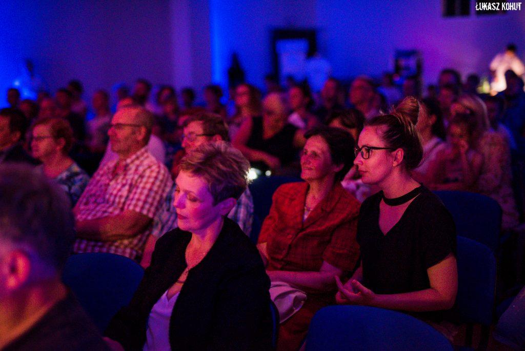 Publiczność na koncercie galowym Świetne Dzieciaki
